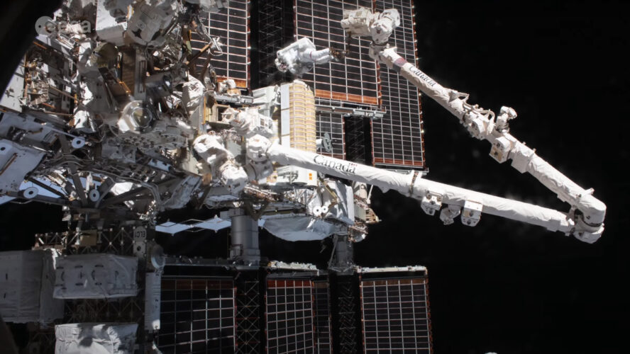Time Lapse Shows Surreal International Space Station Exploration